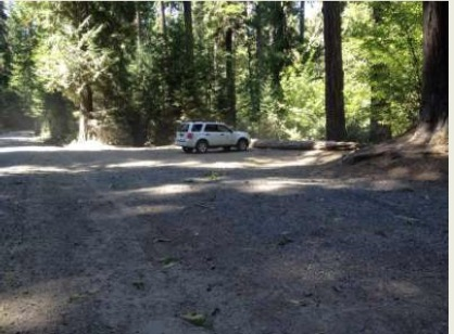 Parking area and trailhead for Lower Breitenbush Hot Springs
